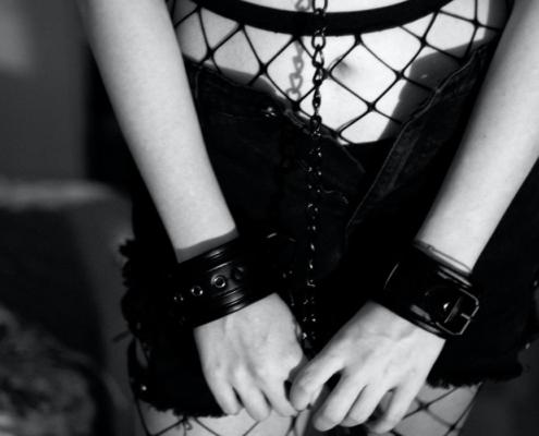 4 Gründe, warum Männer rauen Sex und BDSM lieben